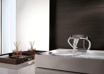 Mitigeur-lavabo-Ring-salle-de-bain-chrome-moderne-design