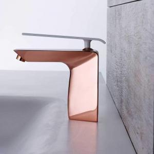 mitigeur lavabo Boomerang coloris cuivre et blanc